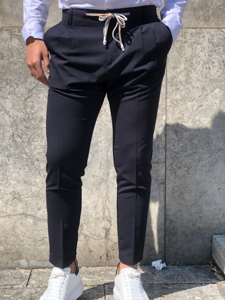 Abbigliamento uomo e pantaloni con coulisse
