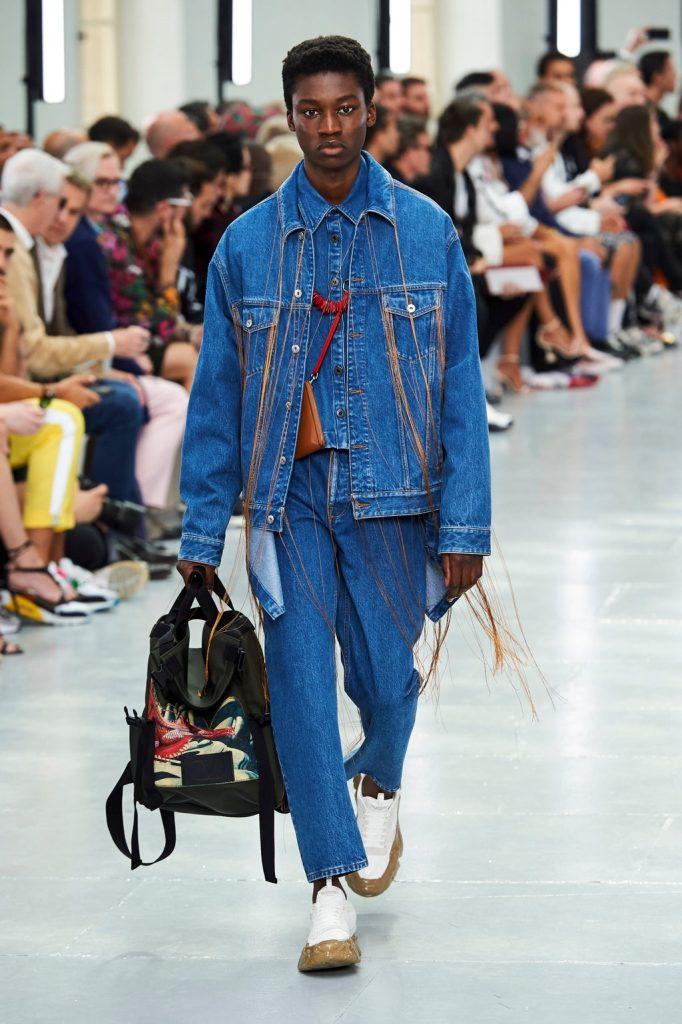 Total Jeans e Valentino un look nato con questo revival