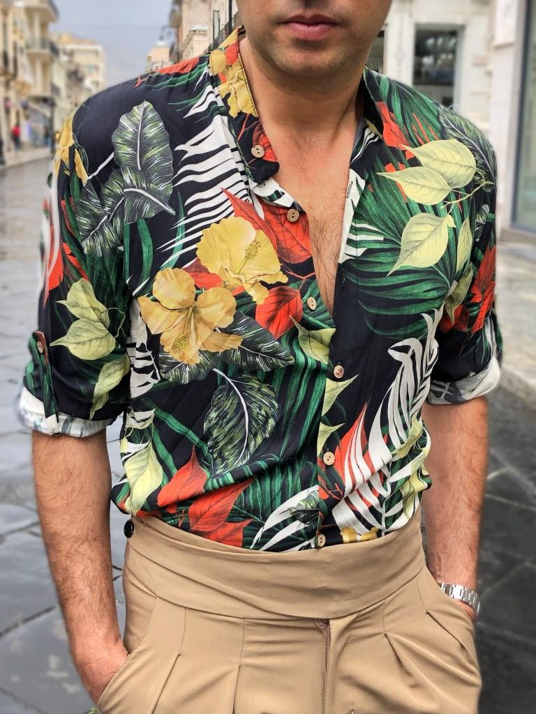 Camicia ideale anche per un abbinamento con pantaloni uomo eleganti.
