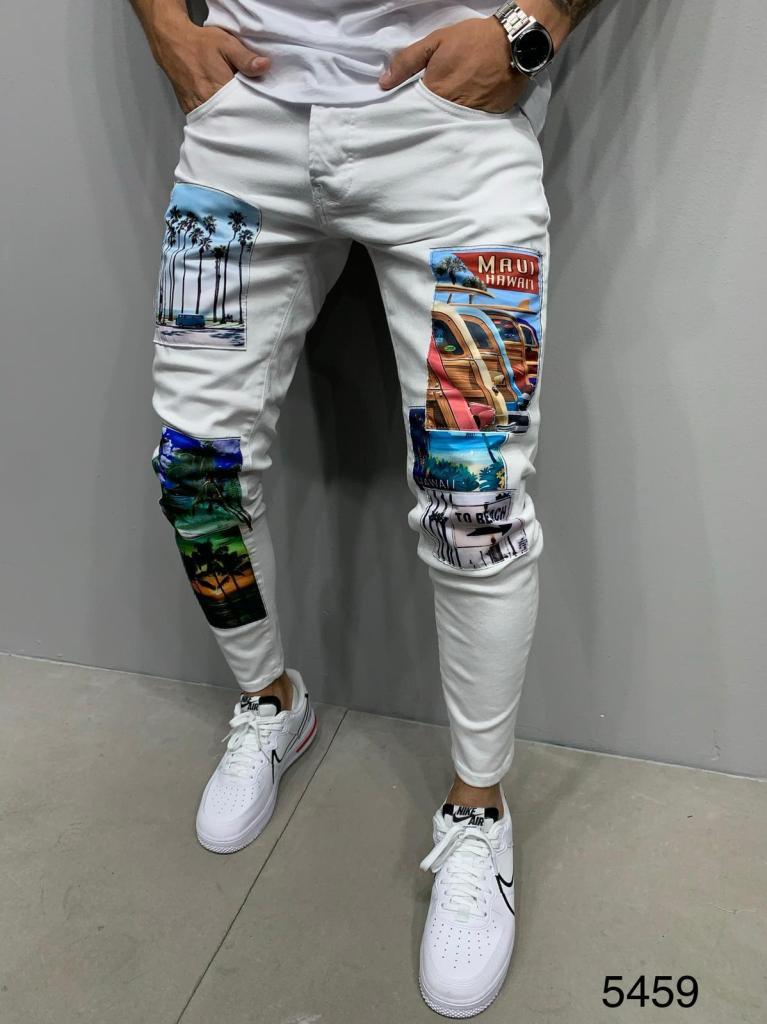 Jeans uomo bianco con toppe colorate - Gogolfun.it