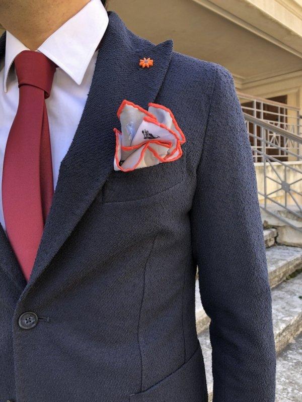 Paul Miranda ed i particolari che valorizzano una giacca blu - Completo elegante uomo