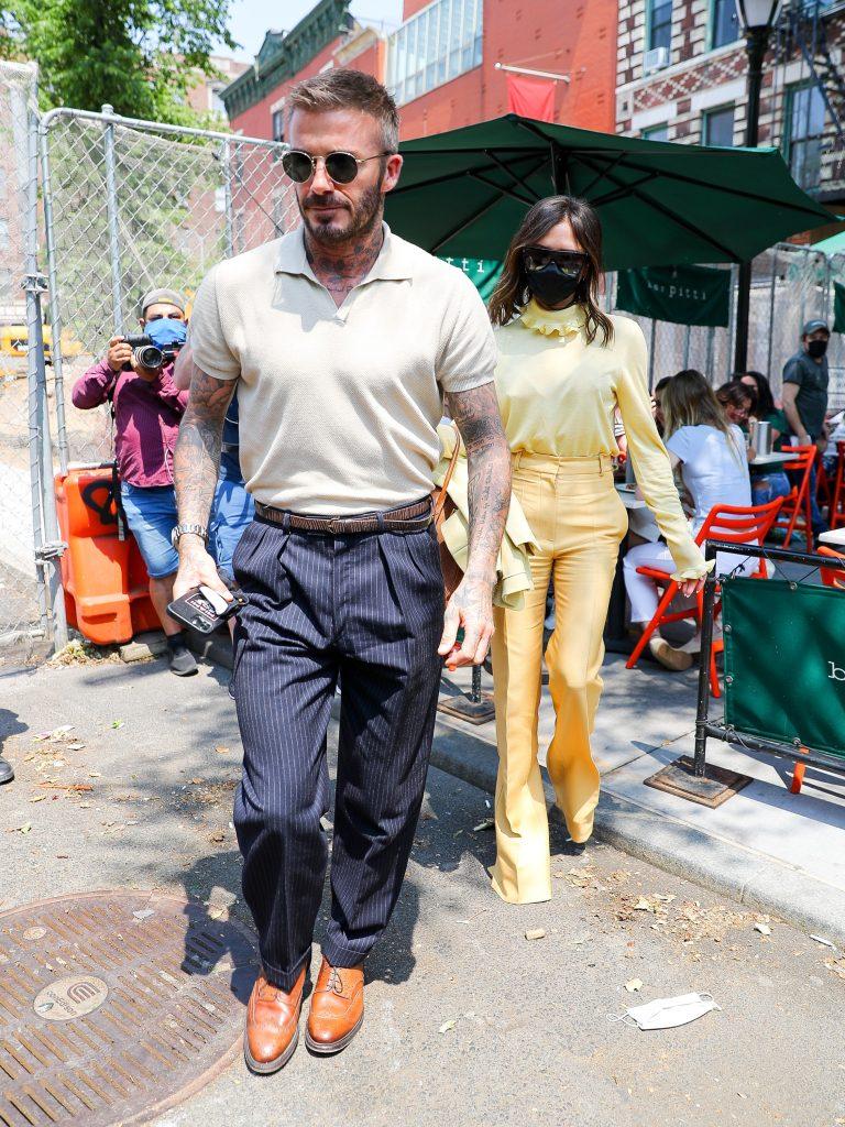 David Beckham in polo uomo e pantaloni eleganti - Vogue