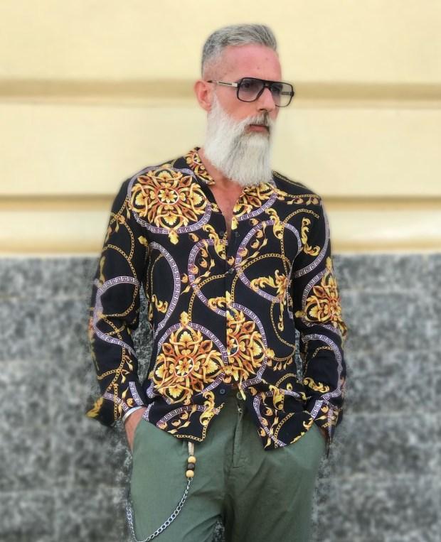 Camicia coreana disegno versace, stile anni 80'