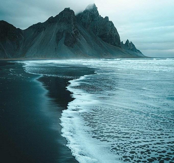 REYNISFJARA BLACK SAND BEACH – @harldsonherald