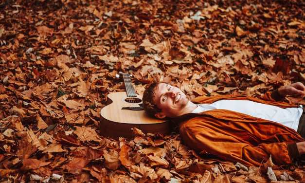 WAITING FOR SMITH – SINGER AND A SONGWRITER