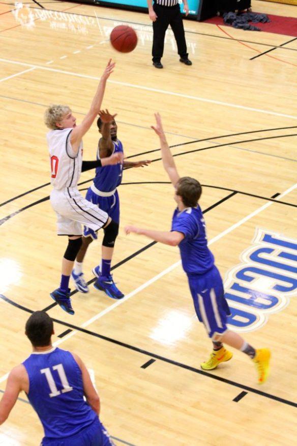 Dawson Community College Men's Basketball Josh Stickel Runner. Feb. 17, 2015. Copyright Go Gonzo Journal.