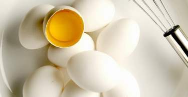 how many calories in an egg white