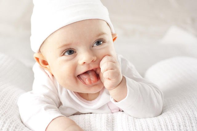 When do babies start smiling?