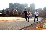 Runners re-entering the 500 year old Bidar Fort