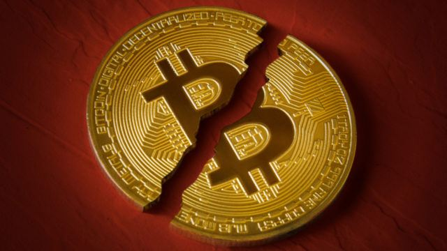 Bitcoin Dips Below $5,000 For The First Time In 13 Months