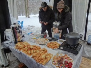 Hot pies and tea at Archangelskoye