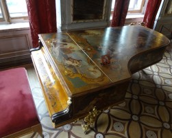 Painted Piano, Hermitage