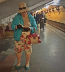 The coat and the shoes. The handbag and the skirt. The top and the hat. Triple #matching.