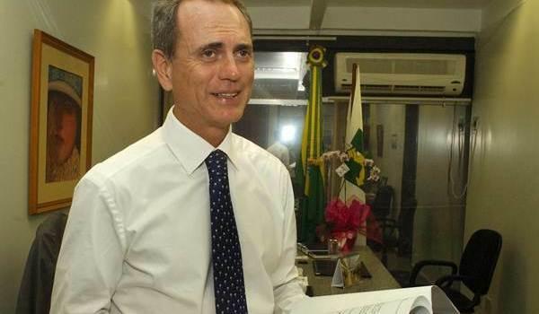 Resultado de imagem para paulo octavio na disputa pelo senado em 2018