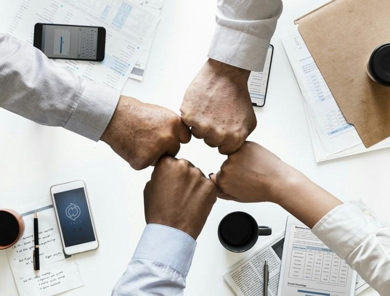 Comprometimento e consciência socioambiental de colaboradores é fundamental.