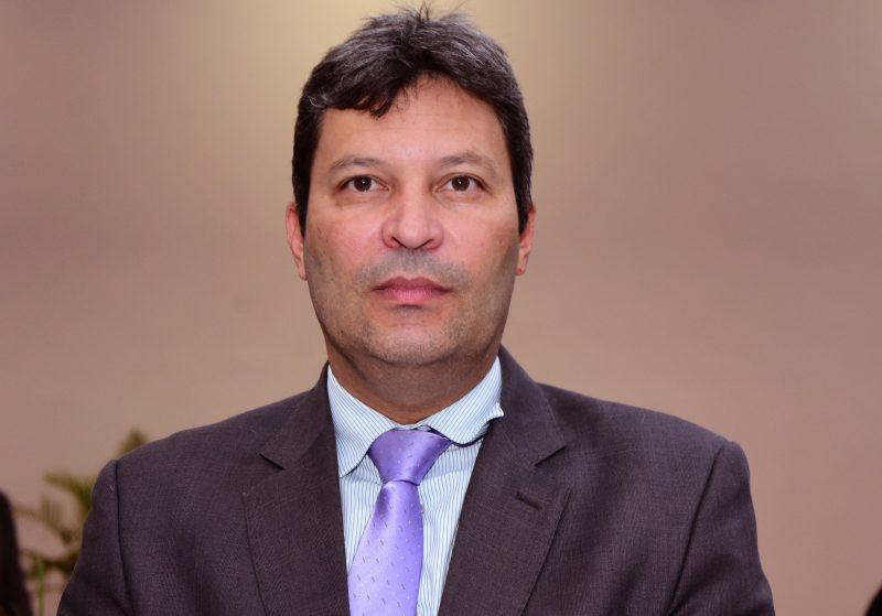 Miguel Bahiense, presidente da Plastivida, se posiciona na guerra dos canudos plásticos