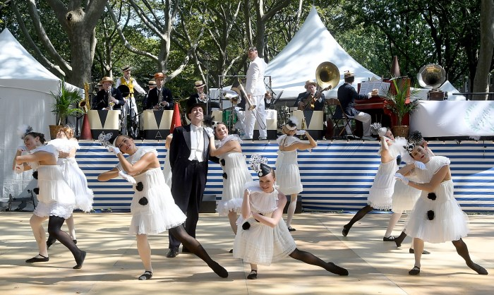Gregory Moore and The Dreamland Follies at 11th Annual Jazz Age Lawn Party on Governors Island © 2016 Karen Rubin/news-photos-features.com