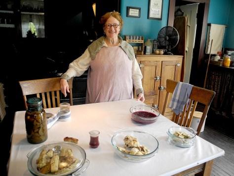 Mrs. Shapiro talks about preparing for Hanukah at Strawbery Banke, the living history museum in Portsmouth NH © 2016 Karen Rubin/goingplacesfarandnear.com