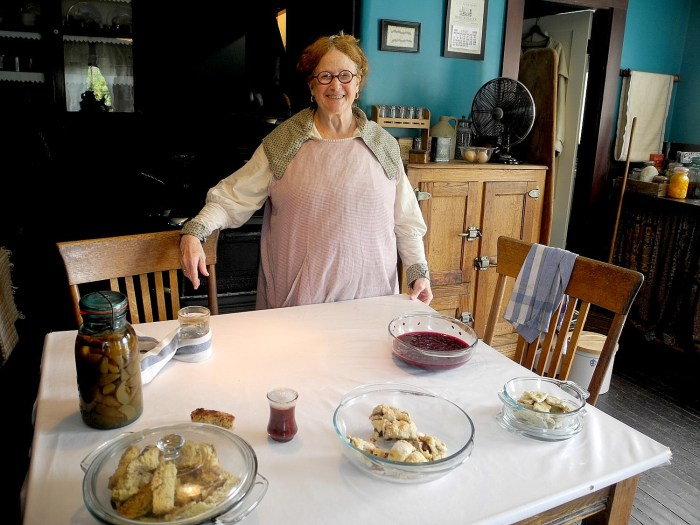 Mrs. Shapiro talks about preparing for Hanukah at Strawbery Banke, the living history museum in Portsmouth NH © 2016 Karen Rubin/goingplacesfarandnear.com