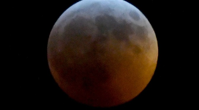 Wolf Super Blood Moon Lunar Eclipse is Spectacular Sight