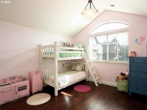 Current girls' room - will be our bonus room