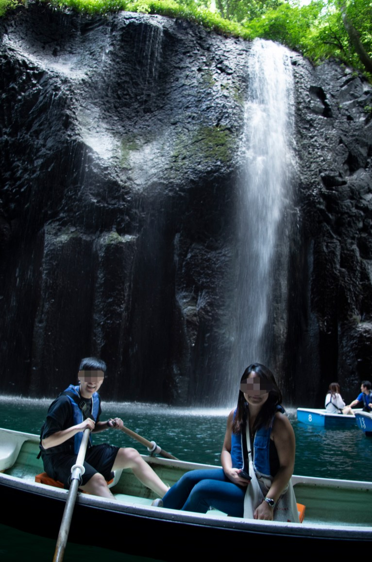 Boating around Manai waterfall