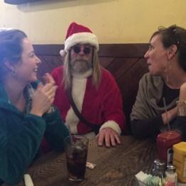 Les playing Santa