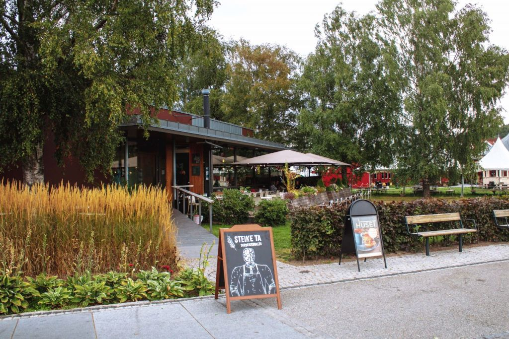 Fasaden til restauranten Huset i Sandefjord.