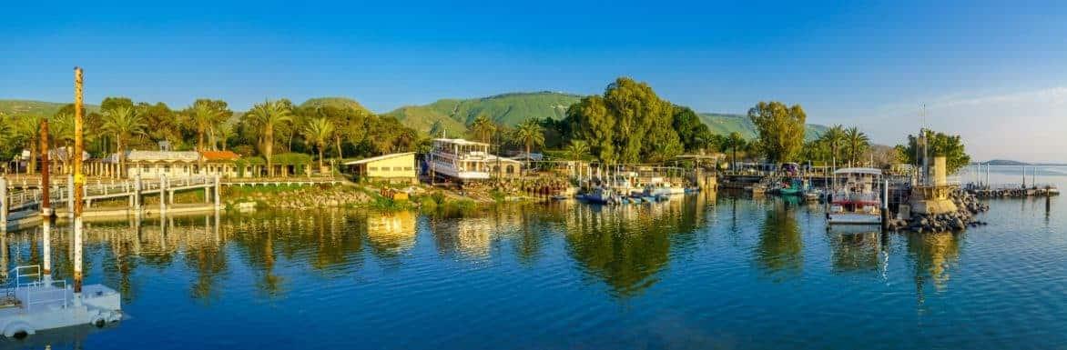 מקומות בילוי ברמת הגולן - נמל עין גב במזרח הכנרת ושם מסעדות טיילת ועוד מקומות בילוי