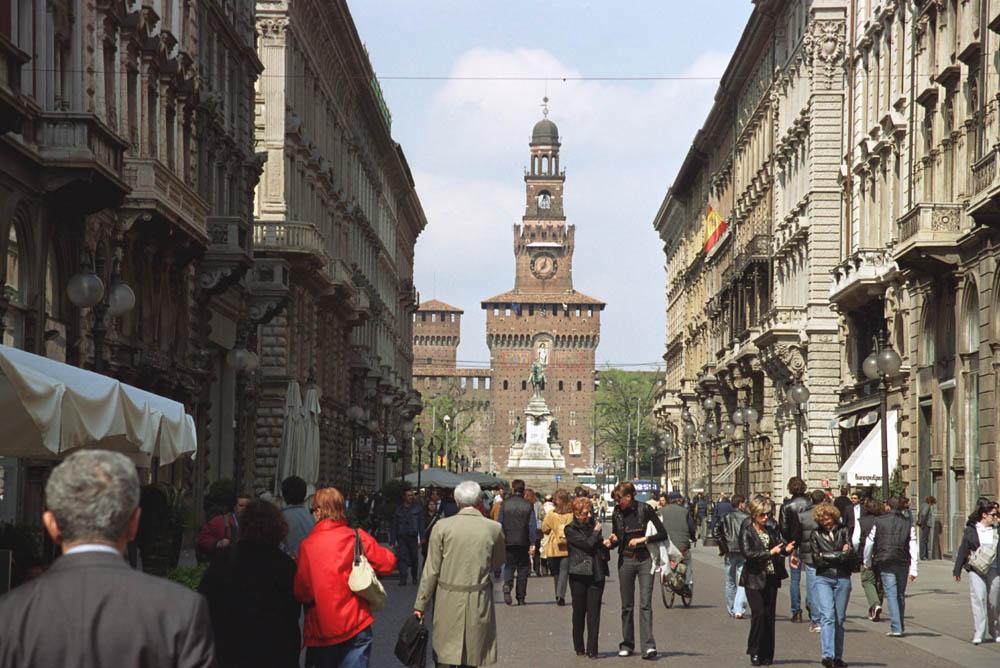 Mailand_via_Dante