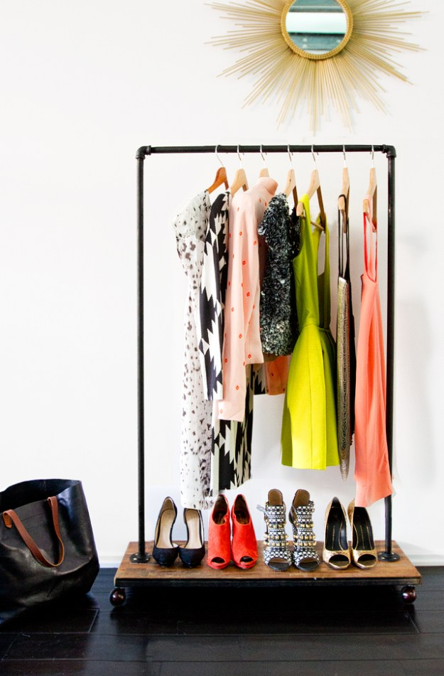 14-DIY-garment-rack