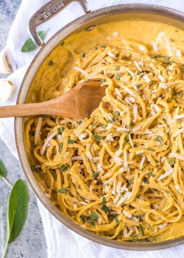 healthy-pumpkin-pasta-sauce-1