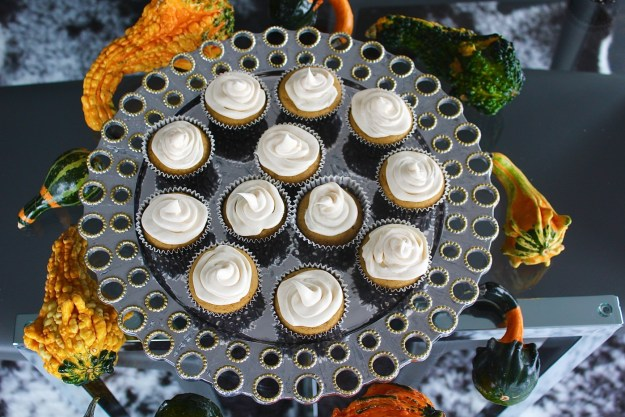 pumpkin-cupcake-with-cream-cheese-frosting-recipe-12