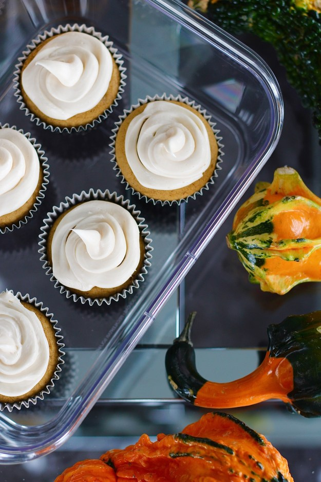 pumpkin-cupcake-with-cream-cheese-frosting-recipe-2