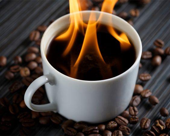 Приготовление кофе. Рецепты с добавлением алкоголя. «Горящий» кофе.