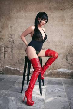 VIKKI RUSSIAN ATHENS ESCORT GIRL