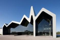 Museo-del-Transporte-zaha-hadid-architects-1-550x366
