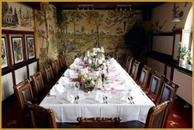 Hochzeitseindeckung Tisch 600 16 PAX (5)