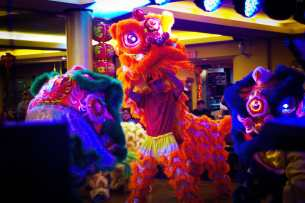 jing wo lion dance calgary 2015 chinese new year regency palace restaurant