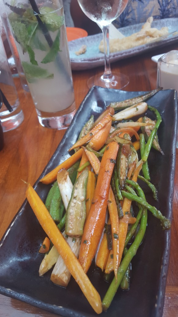 Grilled vegetables and classic mojito