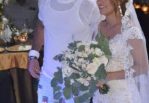 Photographs: Groom Attends His Own Wedding In T-Shirt, Jeans And Slippers
