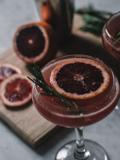 blood orange, martini, rosemary, infused, mixology, cocktail, recipe, oscars, seasonal, citrus, herb