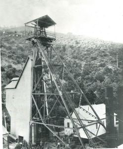 Gwin Mine Crew and Head Frame