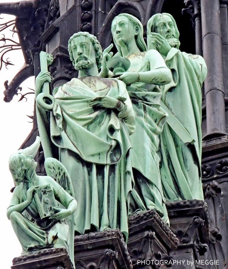 Notre Dame - grön detalj
