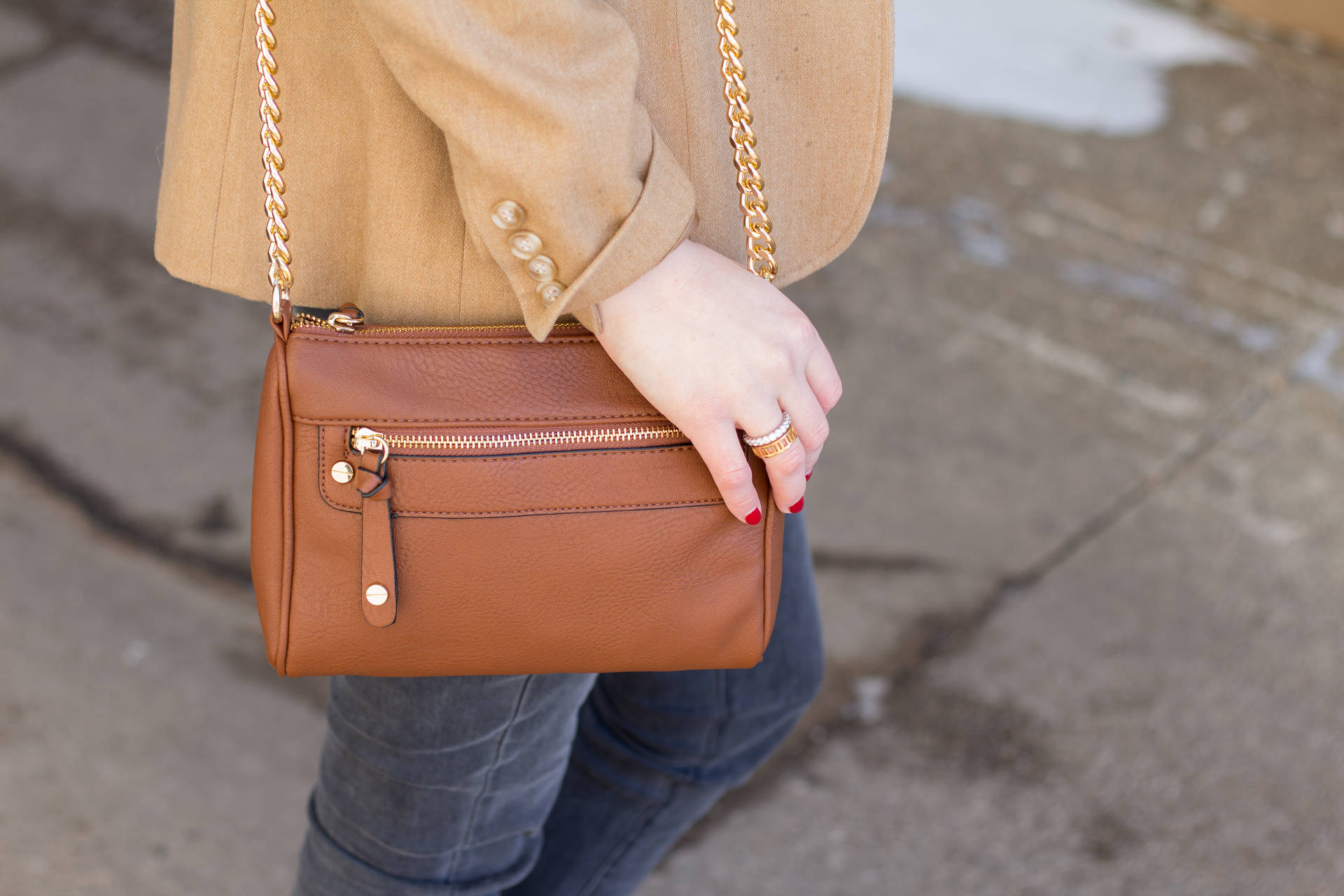 Neutral Crossbody | Gold-Hatted Lover