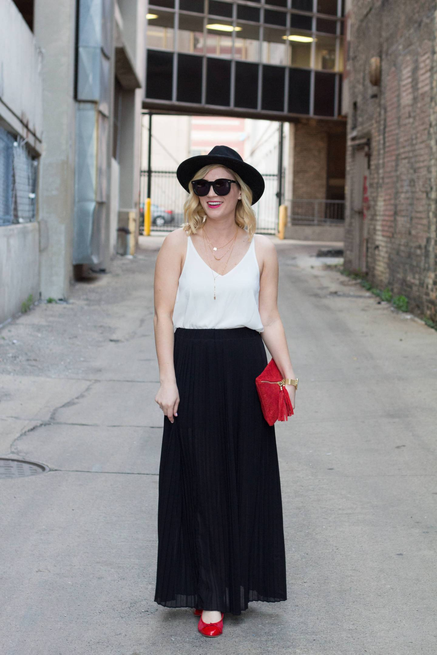 Pops of Red | Gold-Hatted Lover