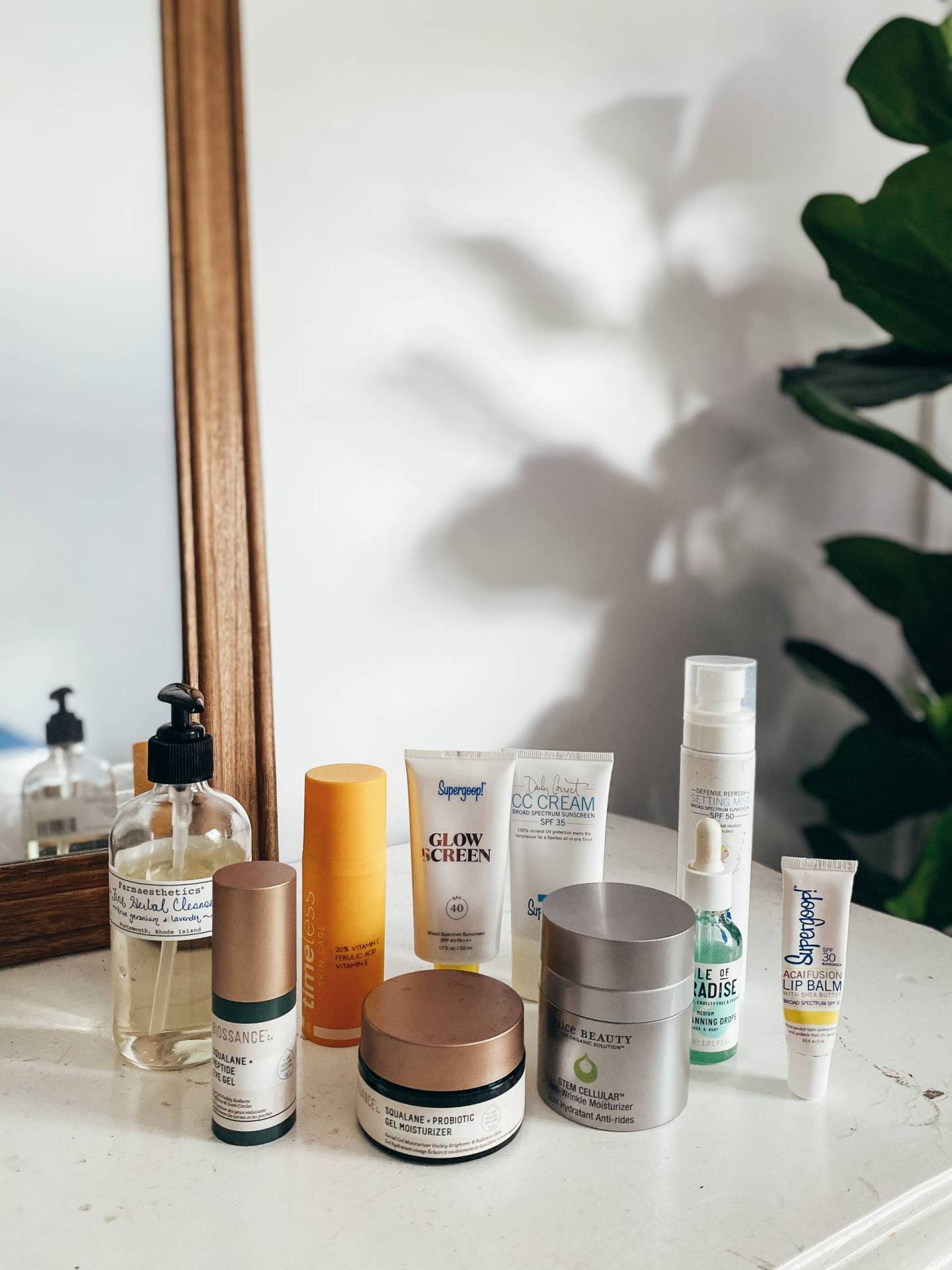 The non-toxic products in my morning skincare routine will keep your skin healthy and glowing without harsh chemicals or endocrine disruptors!