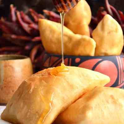 Authentic New Mexican Sopaipillas (Sopa-pee-ya)