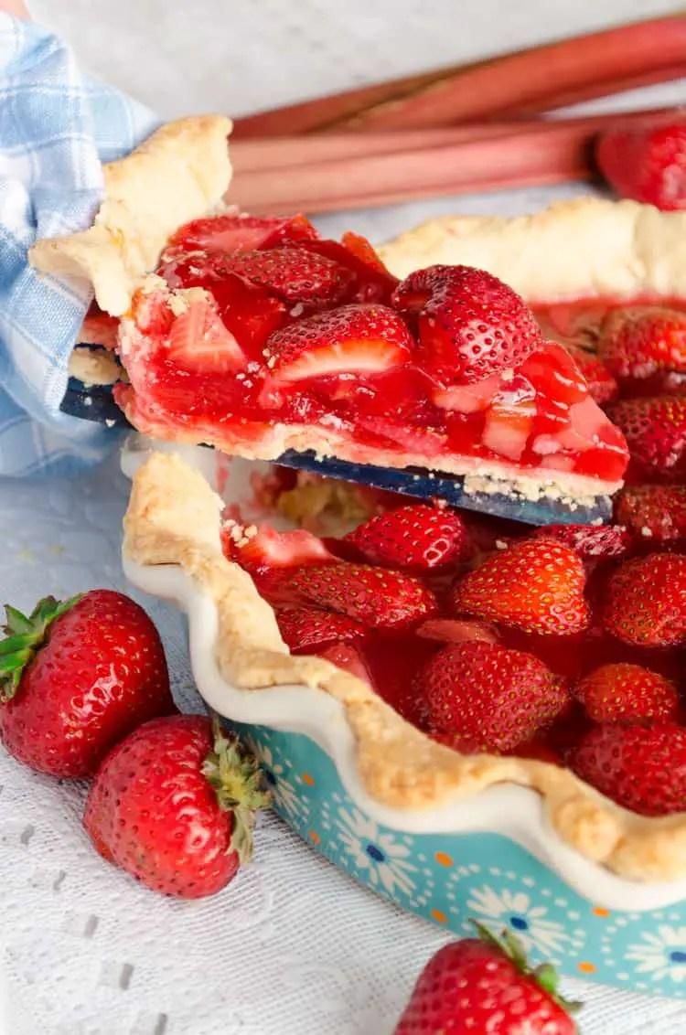 Easy Strawberry Rhubarb Pie Slice