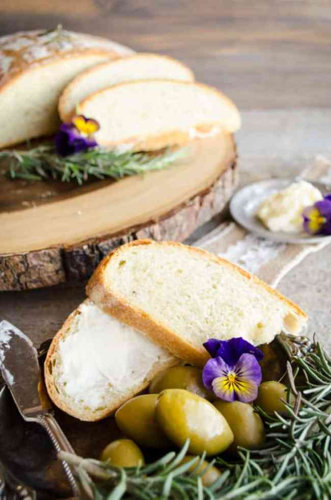 Rustic Rosemary Olive Bread - The Goldilocks Kitchen